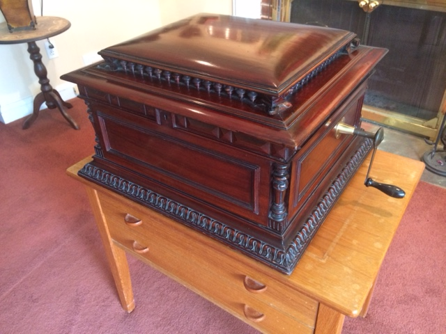 Antique 15 1 2 Regina Disc Music Box